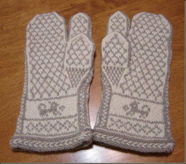 pair dad's fishy mittens back
