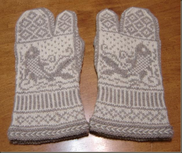 pair dad's fishy mittens front