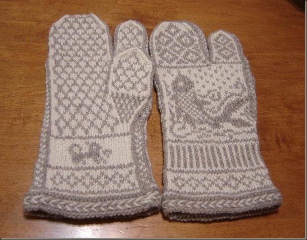 pair dad's fishy mittens